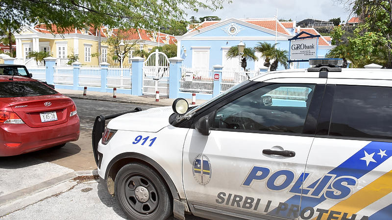 NPO radio 1   Kruisgesprek NOS over situatie Curacao
