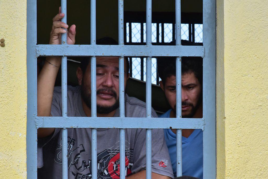 Koninkrijk.nu   Tweede Kamerleden: langdurige opsluiting Venezolanen mensontwaardig