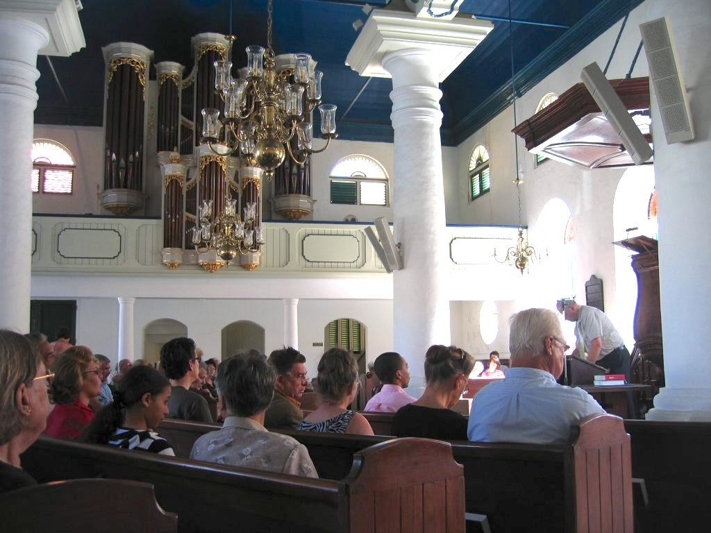 Curacao.nu   Nationaal gebed corona begint met kerkklokken