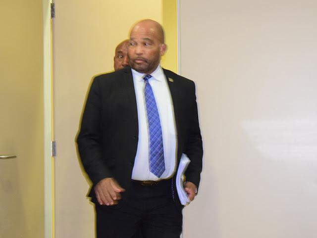 AVC | Het gaat al lang mis op het Curaçaose ministerie van Financiën