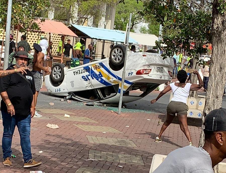 Curacao.nu | Plunderingen in Willemstad, uitgaansverbod tot vrijdagochtend