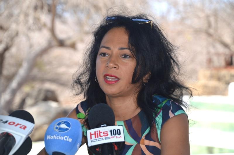 Antilliaans Dagblad   Minister Lopez-Tromp kan aanblijven