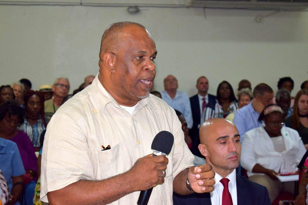 Koninkrijk.nu   'De schrik van Den Haag' Clyde van Putten de grote winnaar op Sint Eustatius