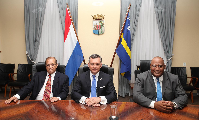 Versgeperst toespraak samenhorigheid Pressiegroepen NIEUWS gerrit schotte Curaçao criminaliteit  3 ministers 127x85 style=