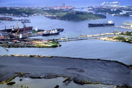 CuracaoNieuws | Olie uit Asfaltmeer Curaçao geen afvalstof