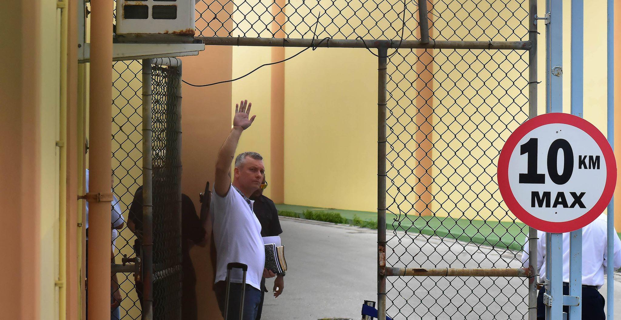 ParadiseFM | Minister Girigorie: 'Geen politieke bemoeienis met zaak-Schotte'