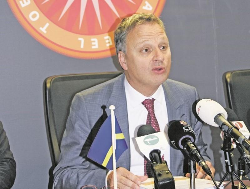 DolfijnFM | Vakantiedagen ambtenaren inleveren heeft geen effect op salaris
