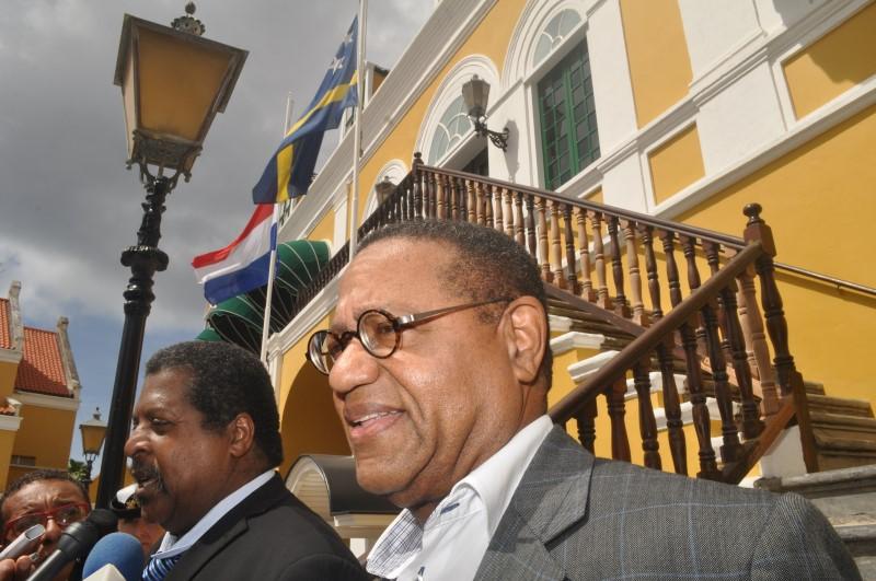 CuracaoNieuws   Glenn Camelia trekt zich terug uit proces screeningswet