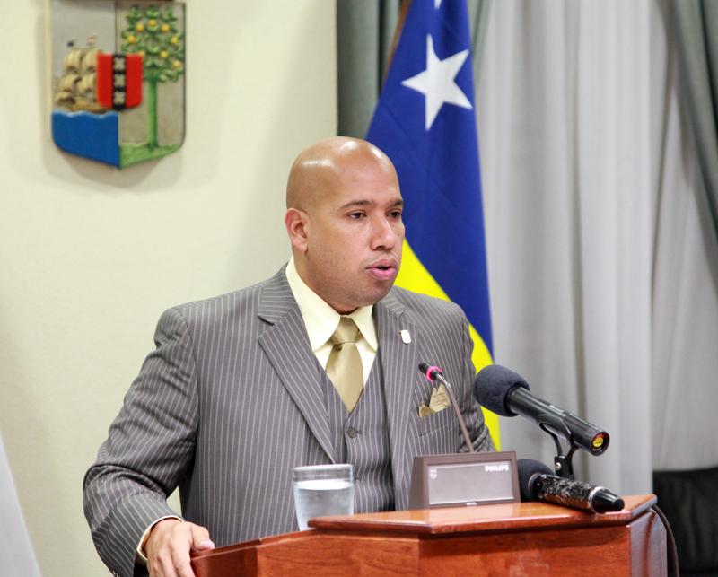 Versgeperst NIEUWS George Jamaloodin Curaçao Centrale Bank CBCS betalingsbalans  Min Jamaloodin 08122011 127x85 style=