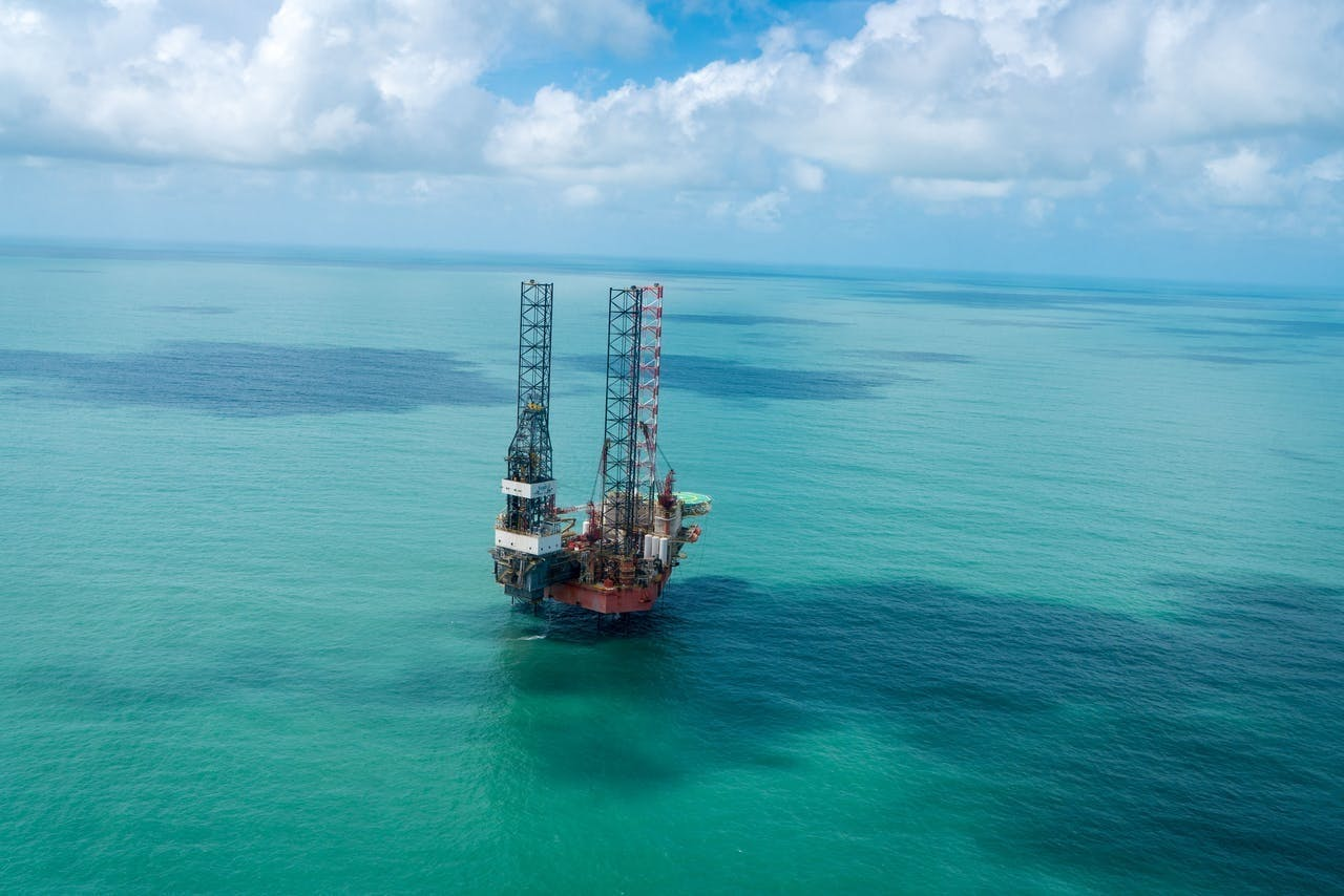 DolfijnFM   Suriname int oliegeld voor schuldenverlichting