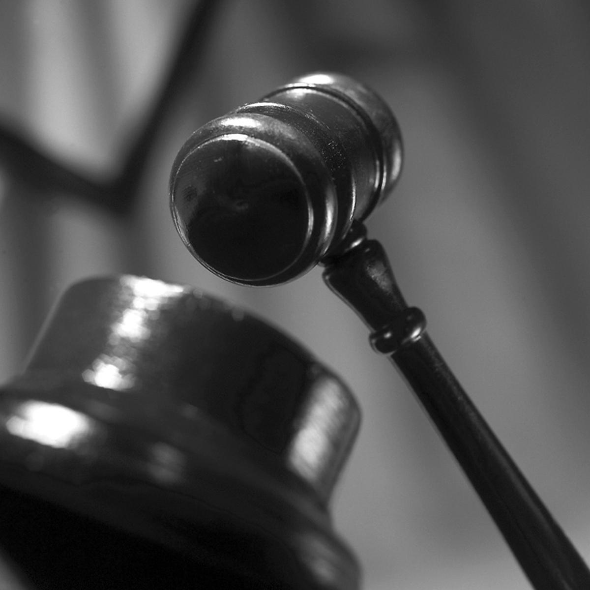 DolfijnFM   Hof hekelt schuldverlegging pastor Balentien