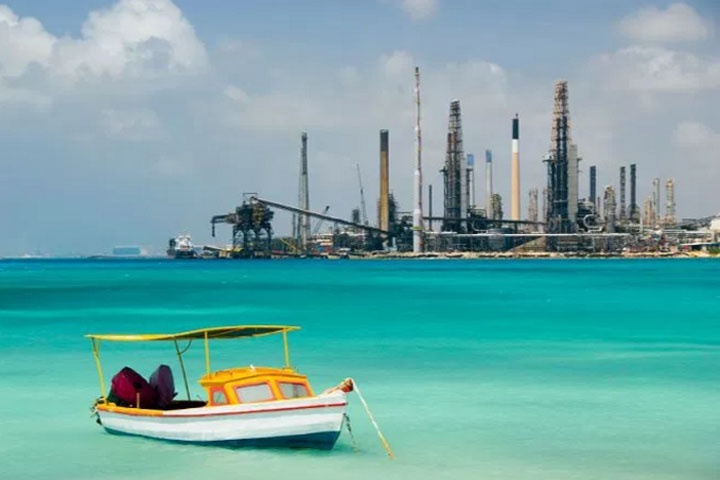 ParadiseFM   Kans heropening raffinaderij op Aruba minimaal
