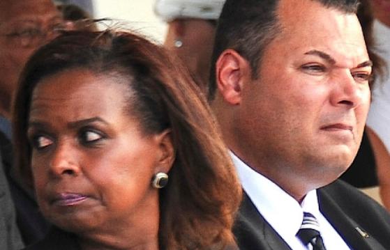 ParadiseFM | Staten willen vervolging verantwoordelijken verkoop Curaçaohuis
