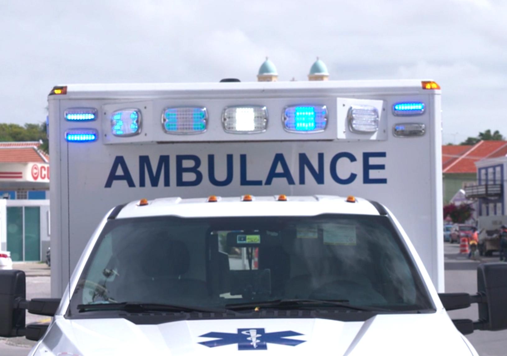 DolfijnFM | Man ernstig gewond na val van dak