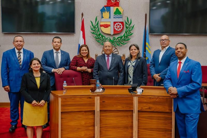 AntilliaansDagblad   Gouverneur Aruba beëdigt Sevinger niet